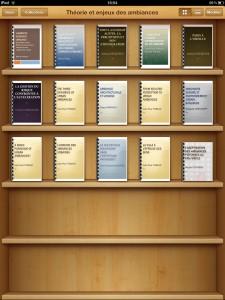 Les fichiers avec leur couverture sur une étagère de l'Ipad